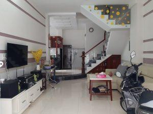 Chính chủ gửi bán nhà đường Nguyên Hồng Bình Thạnh – nhà đẹp, nội thất sang trọng.