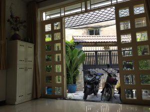 Phòng khách nhà bán hẻm xe hơi Lê Quang Định Bình Thạnh