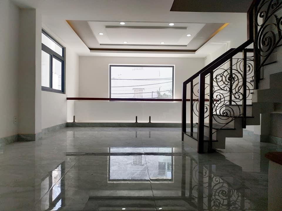 Tầng lửng rộng, thoáng phù hợp làm không gian tiếp khách