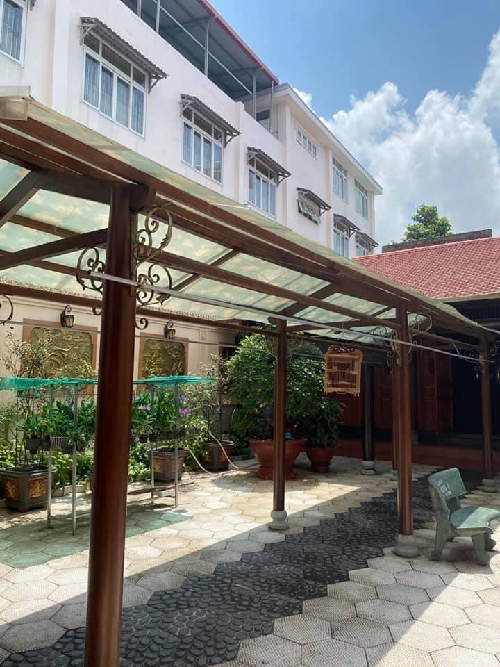 Căn nhà gỗ được thiết kết riêng cho sân vườn sau nhà